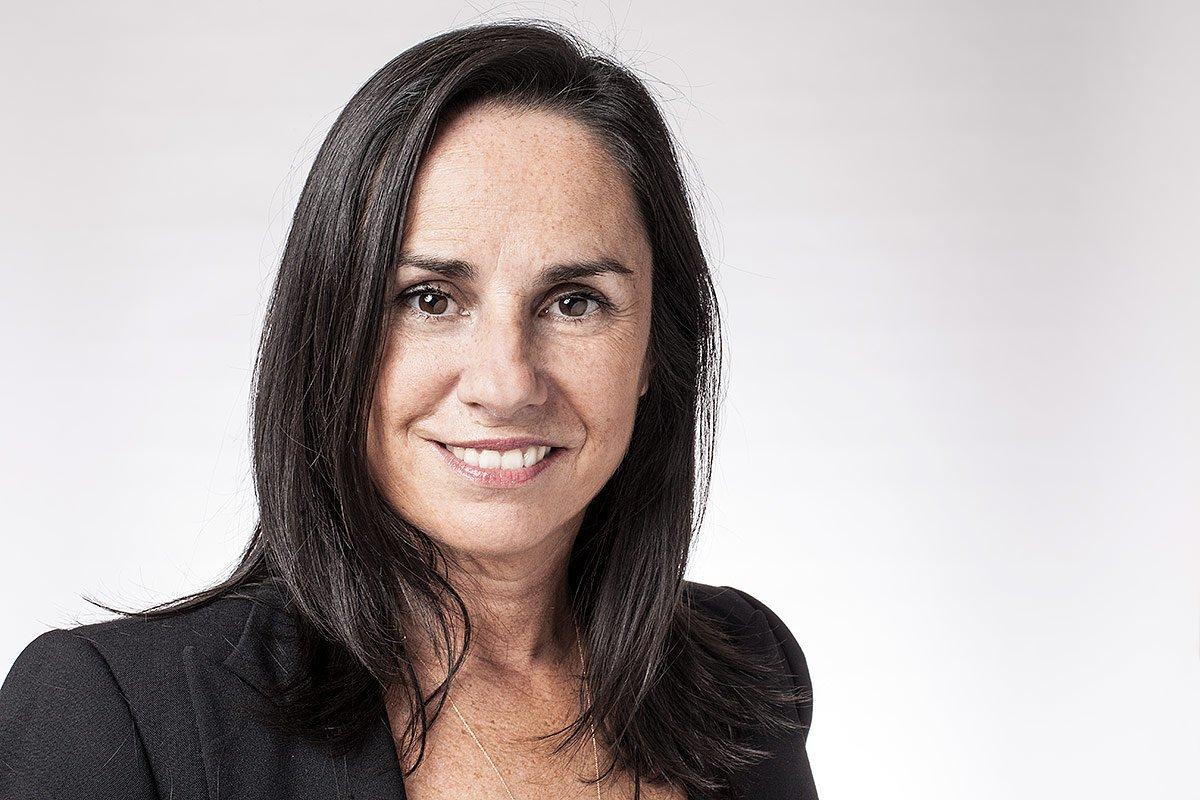 Portrait de Nathalie Olmer avocate au barreau de MArseille