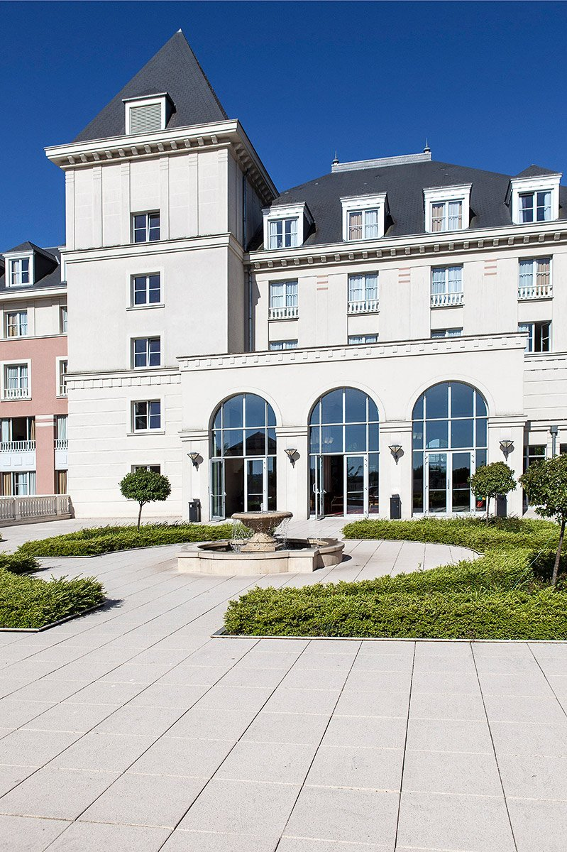 Garden of Dream Castle hôtel during a seminar photographed by Denis Dalmasso Freelance photographer in France