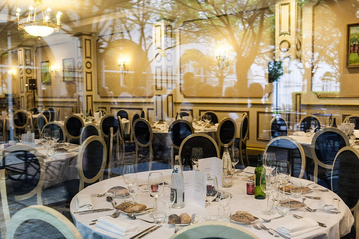 Tables for the gala dinner during a seminar at Dream Castle Hôtel in Marne-La-Vallée photographed by Denis Dalmasso french photographer