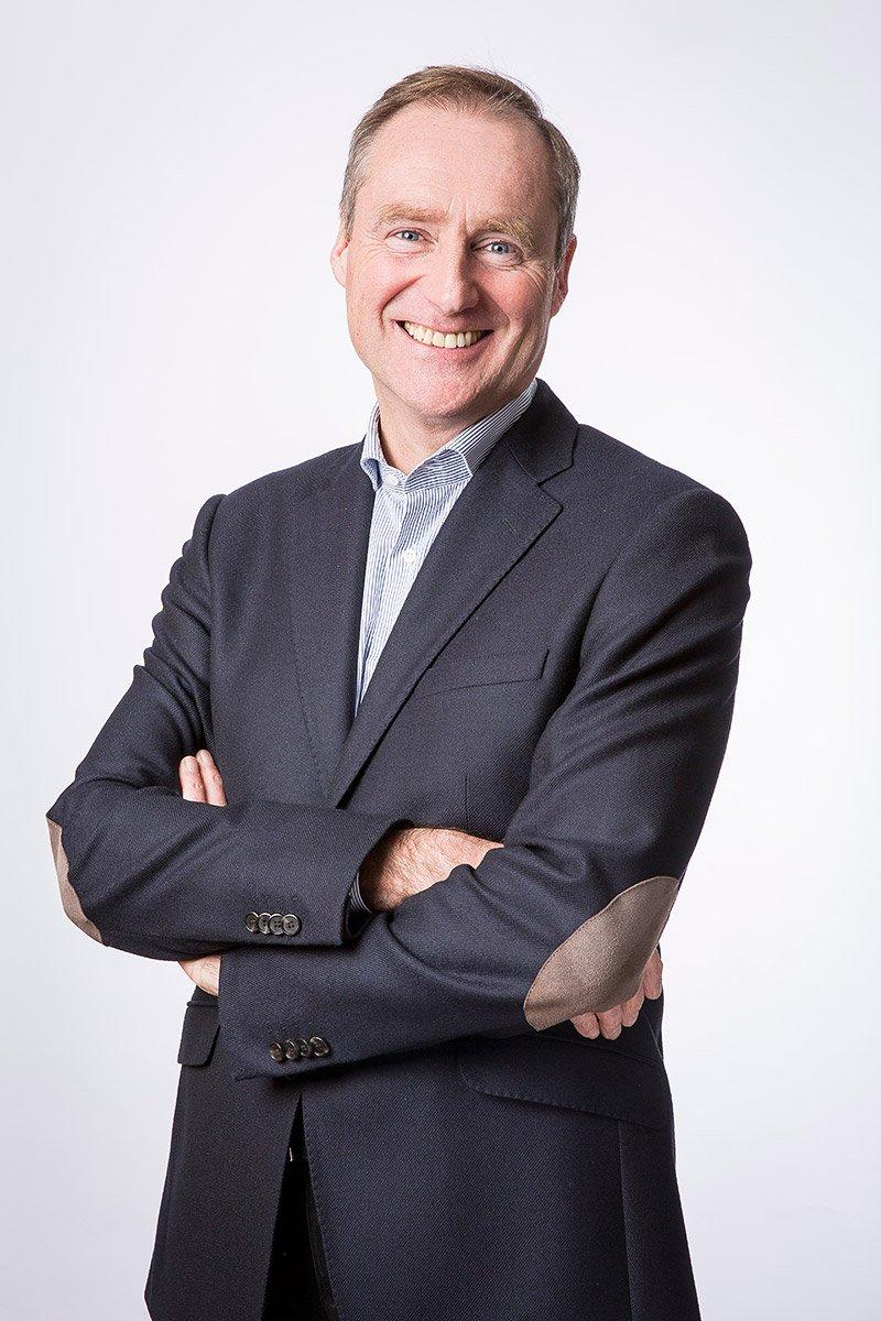 Portrait de Guillaume Salabert, directeur Général de Hopps Group en studio par Denis Dalmasso, photographe corporate à Aix-en-Provence, France.