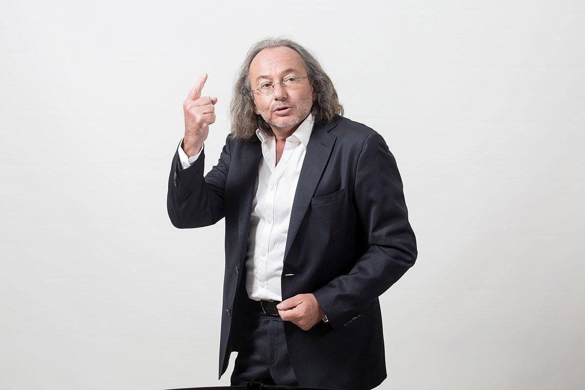 Me Jean-Philippe Roman, Avocat à Aix-en-Provence, photographié en studio par Denis Dalmasso, photographe spécialisé en portrait