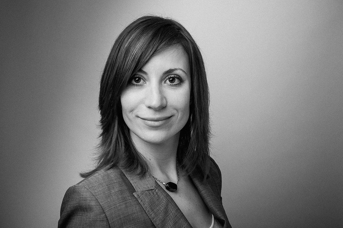 Portrait de Me Diane Polintcheva, avocate, cabinet Robert & Associés, Aix-en-Provence